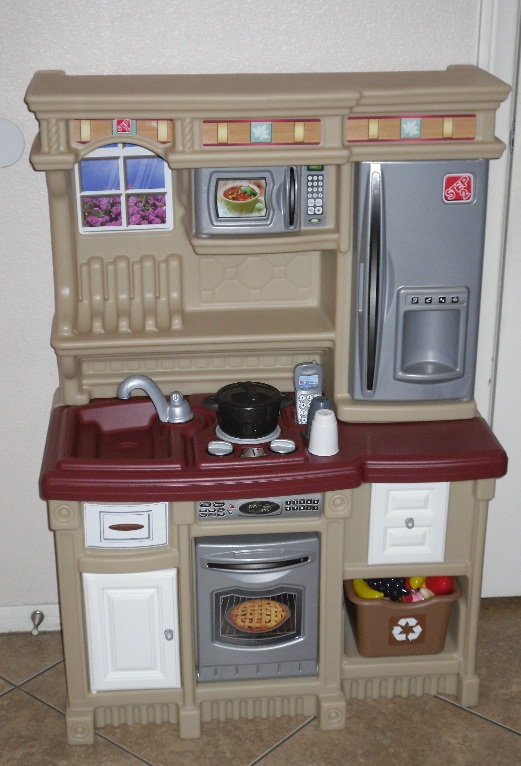 Obviously Holiday - Step2 LifeStyle Custom Kitchen Review ...